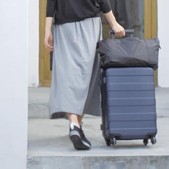 今回も引き続き旅行用スーツケースの話。前回はアメリカンツーリスターのポリカーボネート製の2つについて紹介したけど、今日は無印良品の撥水布製の2つ。