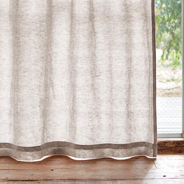 麻素材のカーテン
