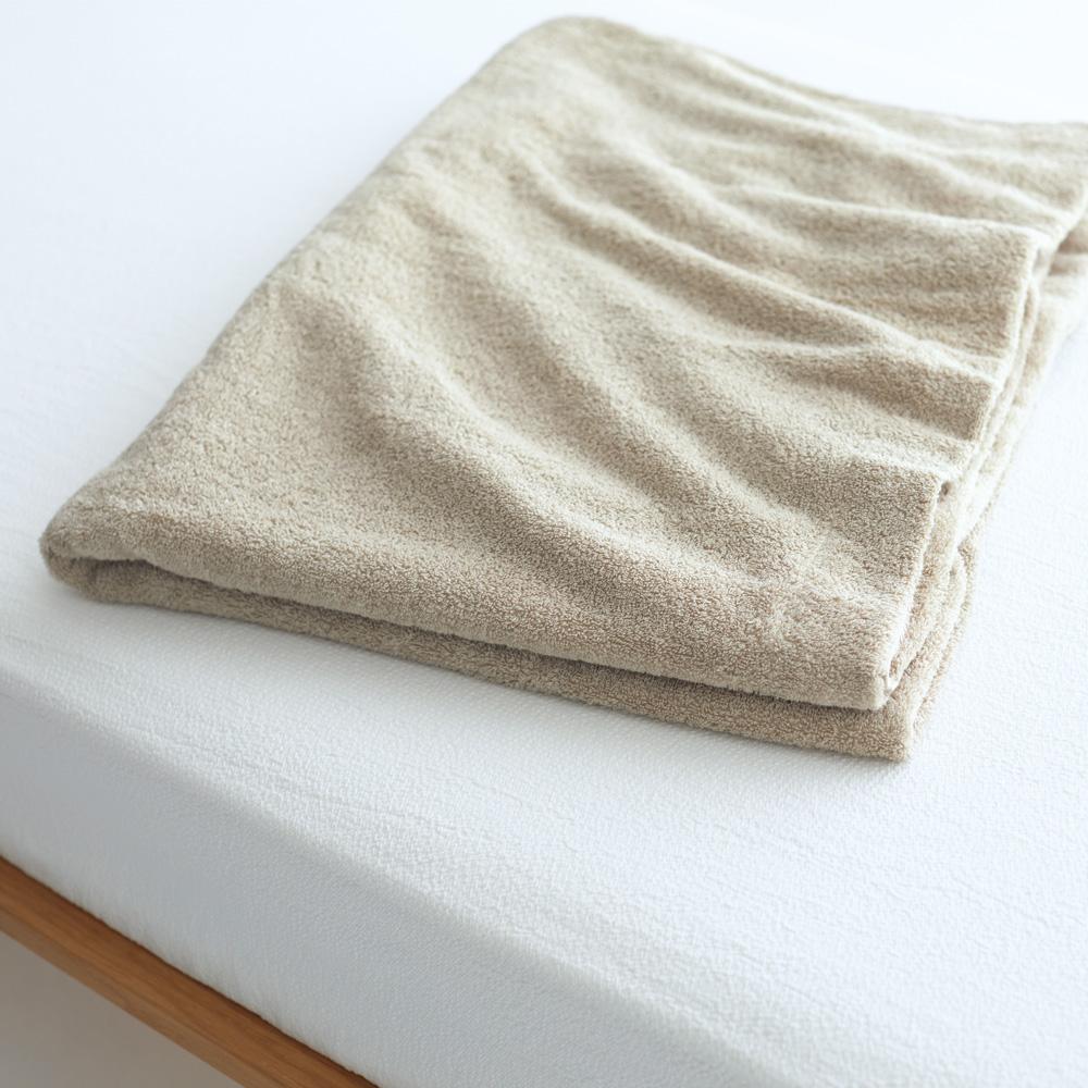 軽くてあったかい、無印のウール100%毛布。