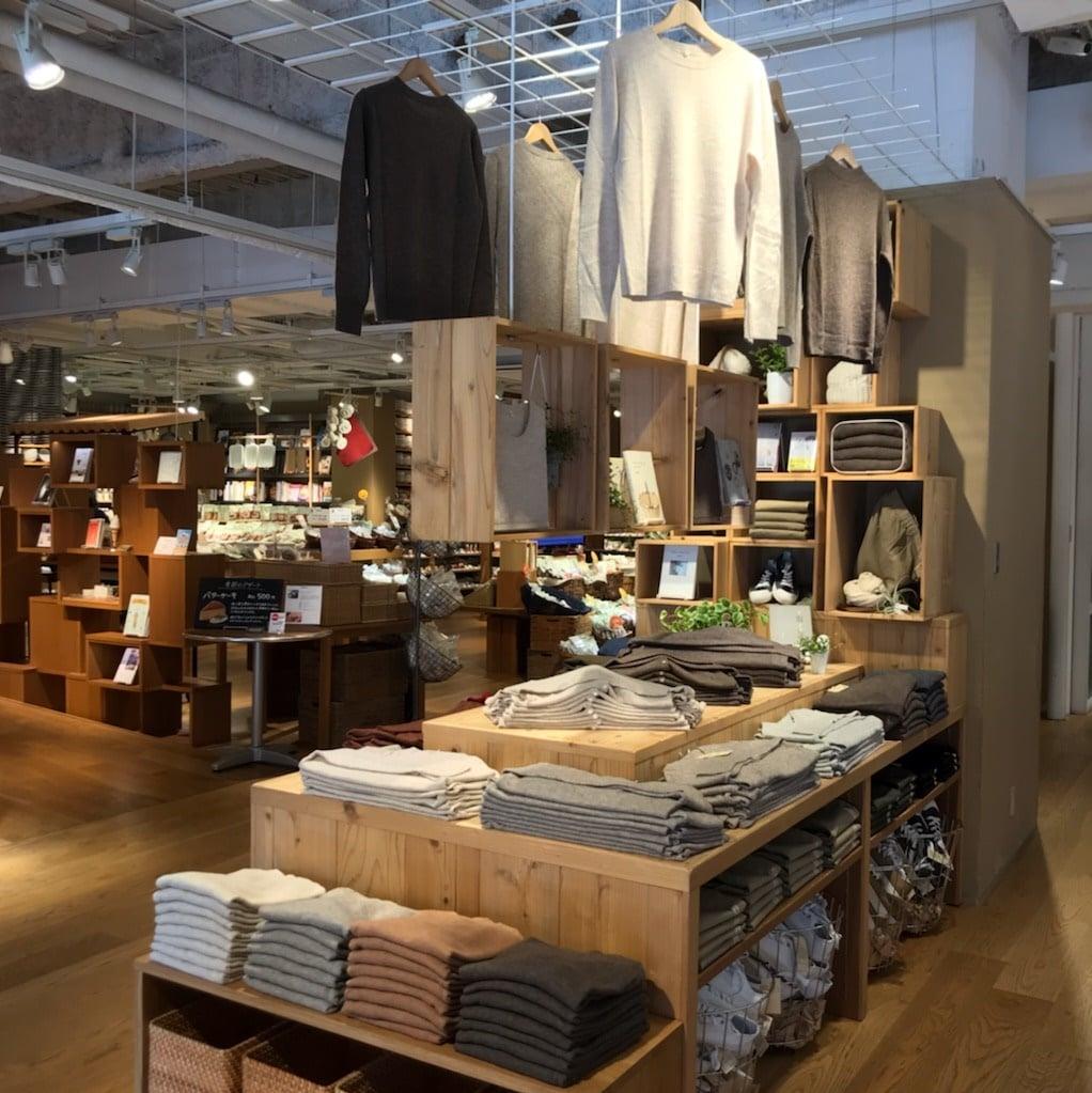 キービジュアル画像:衣服売場が変わりました|売場紹介