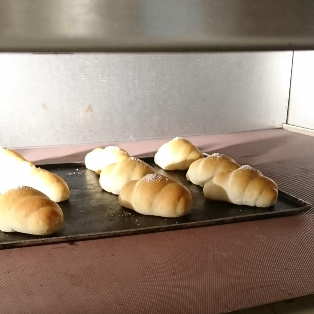 キービジュアル画像:国産小麦のロールパン ベーカリー