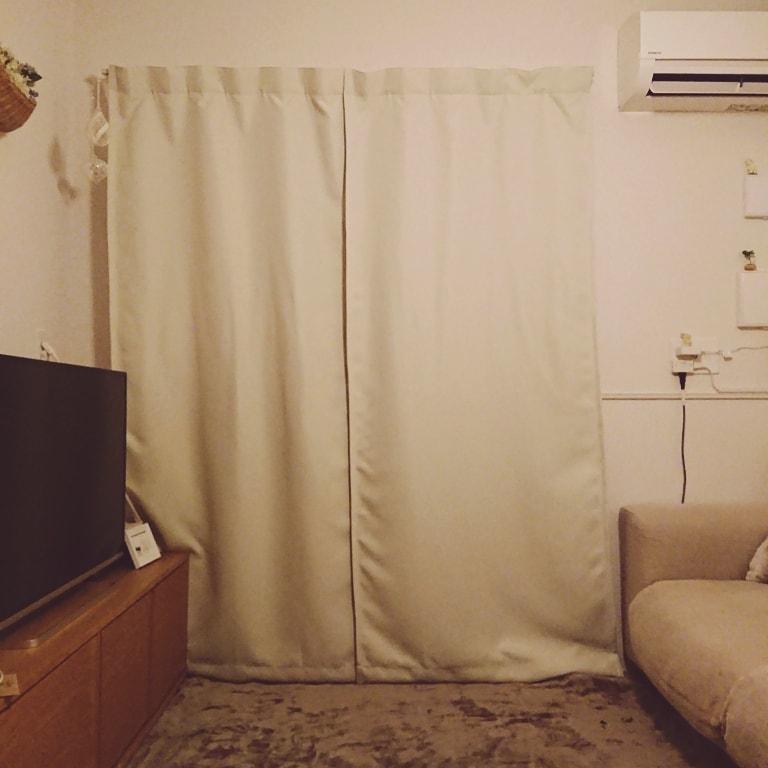 【ゆめタウン山口】掃出し窓のカーテン 閉じたところ
