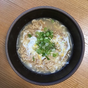 #04夏休みごはんにおすすめレシピ:「チキン味 酸辣湯麺」