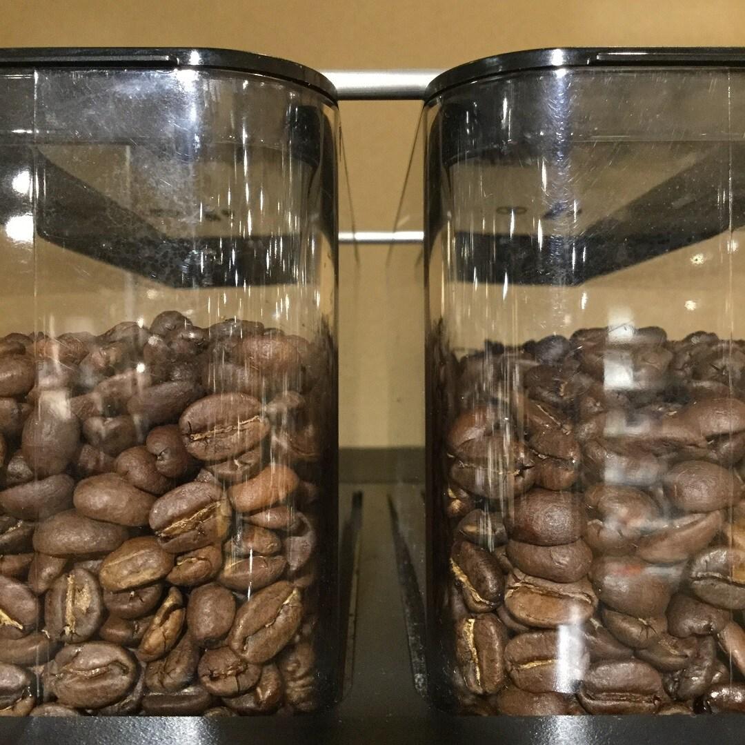 【MUJIキャナルシティ博多】お豆は浅煎りと深煎りの2種類です