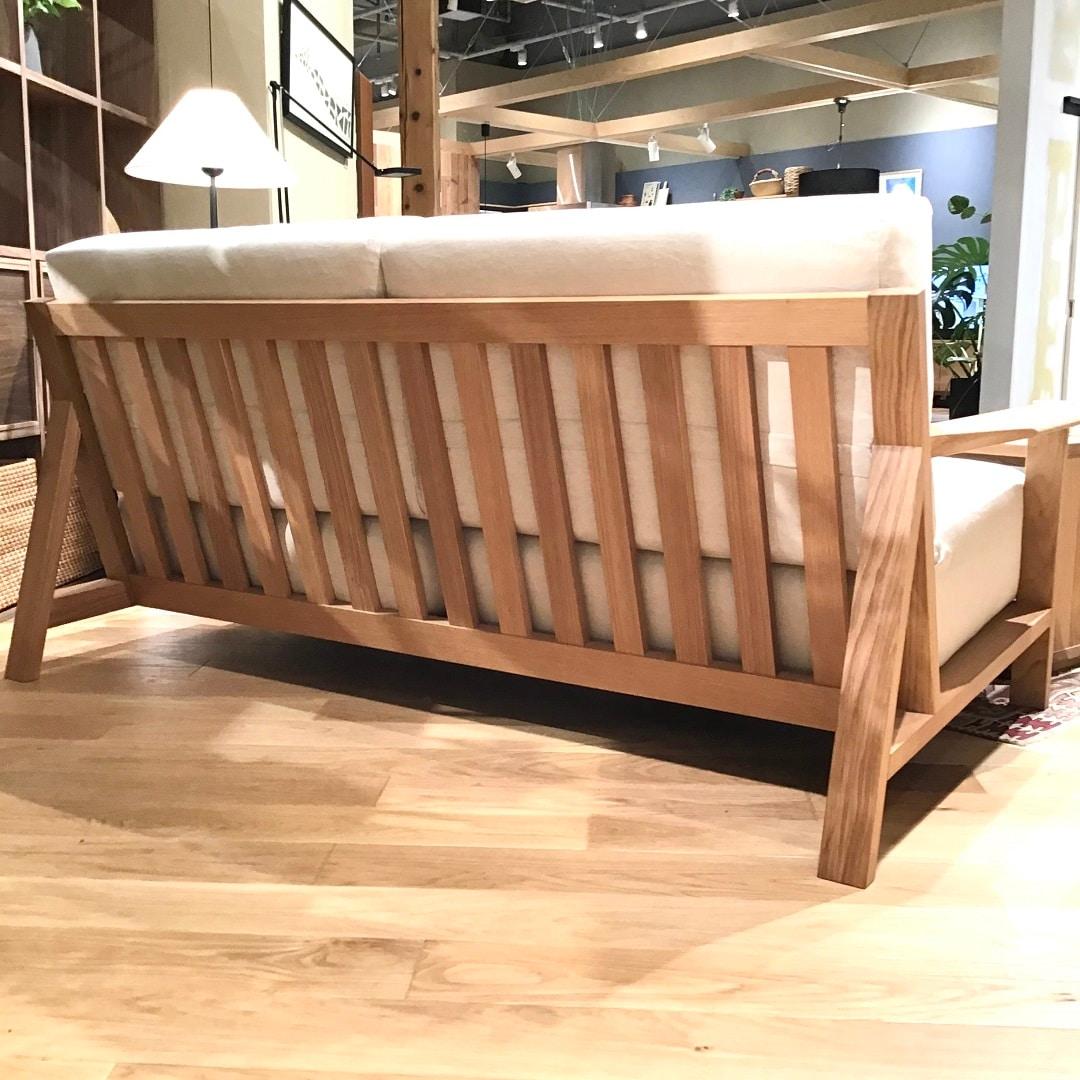 木製ソファ本体背面からの写真