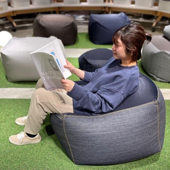 MUJ【I」キャナルシティ博多】おうち時間は、体にフィットするソファとごいっしょに。