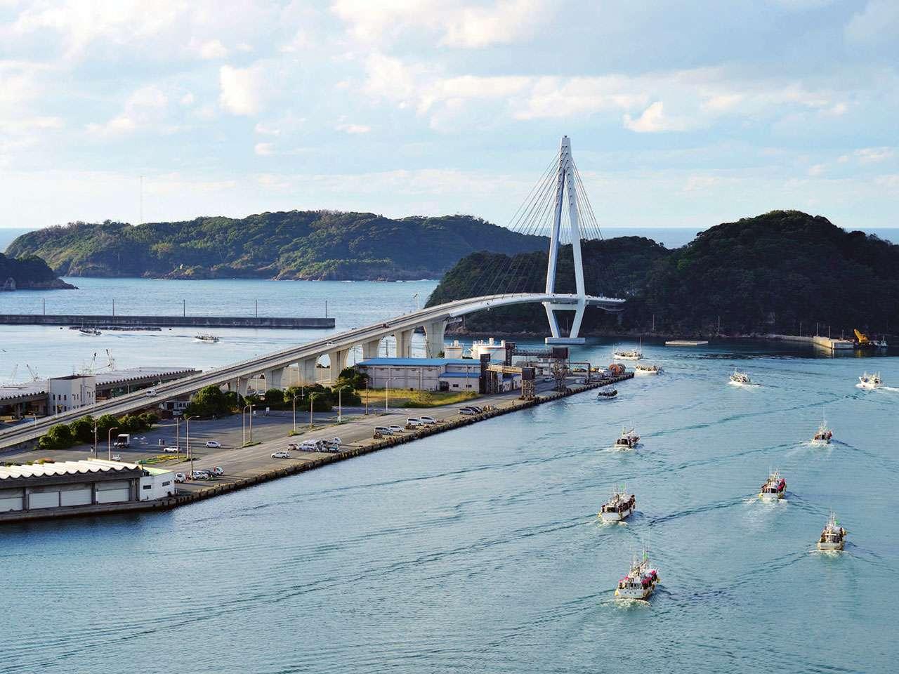 キービジュアル画像:親子三世代で浜田港の「美味い」をそのまま届けます