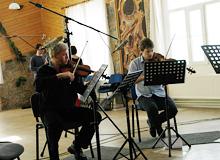 BGM 15번 녹음 모습. 체코 프라하 교외에 위치한 스튜디오.