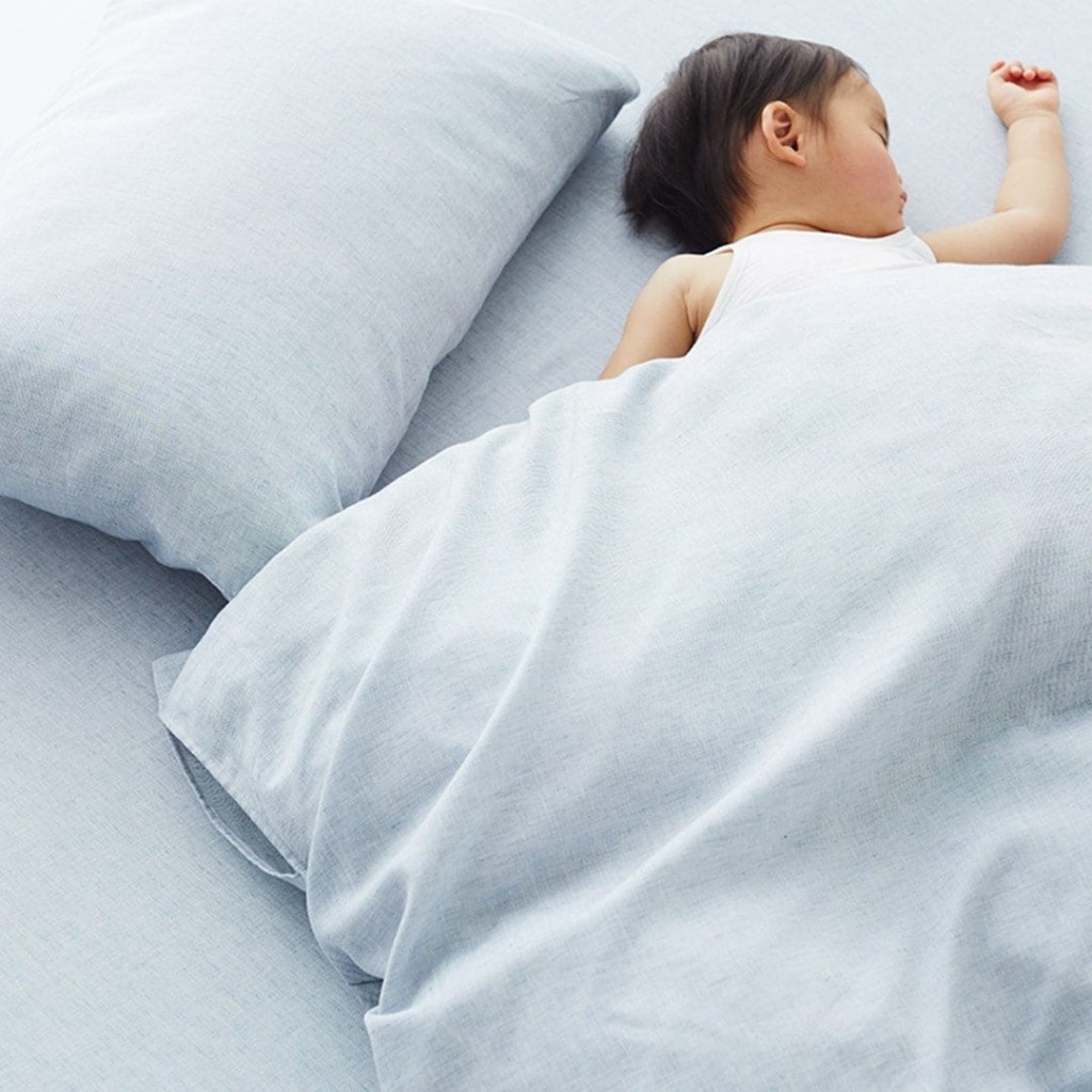 breathable organic cotton bed linen by MUJI